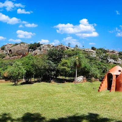 Camping peña desayuno y cena en Ecodomo al pie del cerro Yaguarón!