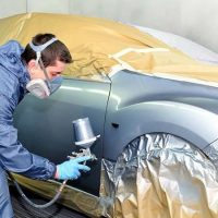 Chapería Leve y pintura de auto zona a elección + Pulido, lavado y aspirado completo