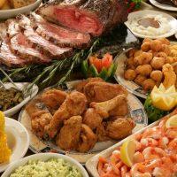 Almuerzo con Buffet Completo + Postre + 1 Caipi!
