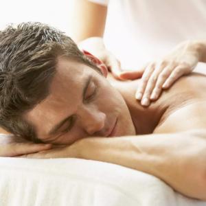 Masaje Relax + Pulido Corporal + Hidratación + Sauna para Caballeros
